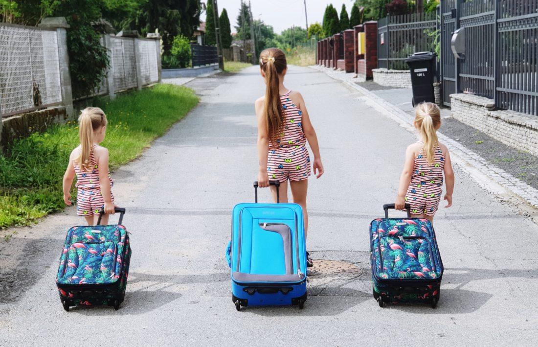 lista rzeczy do spakowania na wakacje z dzieckiem