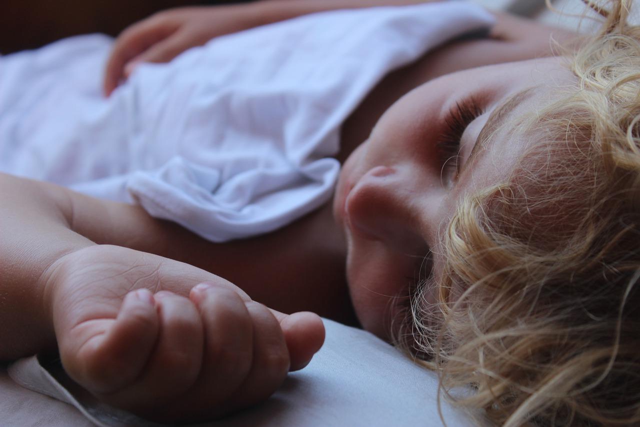 samodzielne zasypianie dziecka