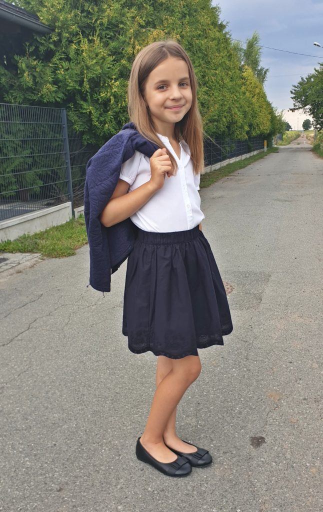 co ubrać dziecku na rozpoczęcie roku szkolnego